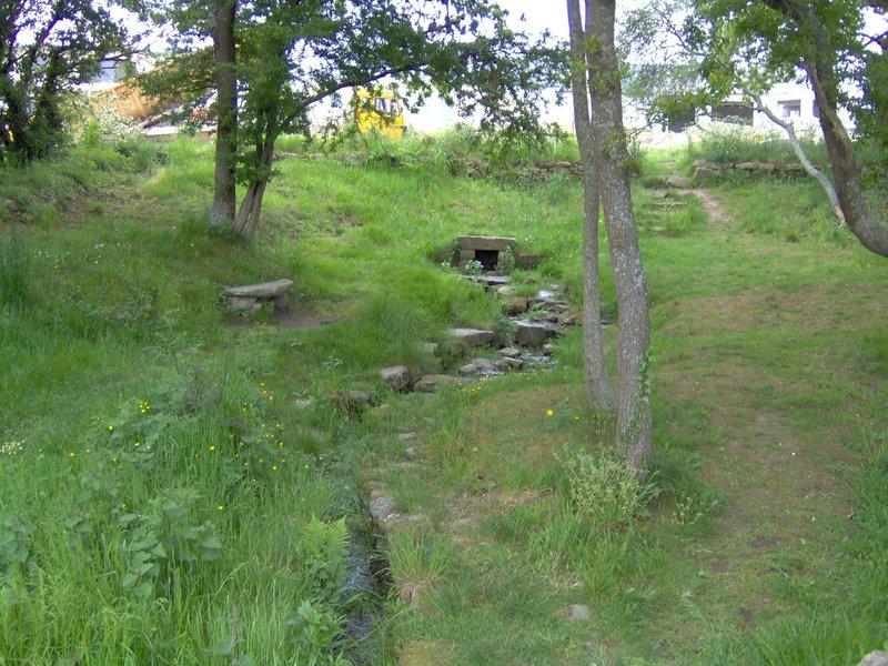 Petit ruisseau étange de Kermélo