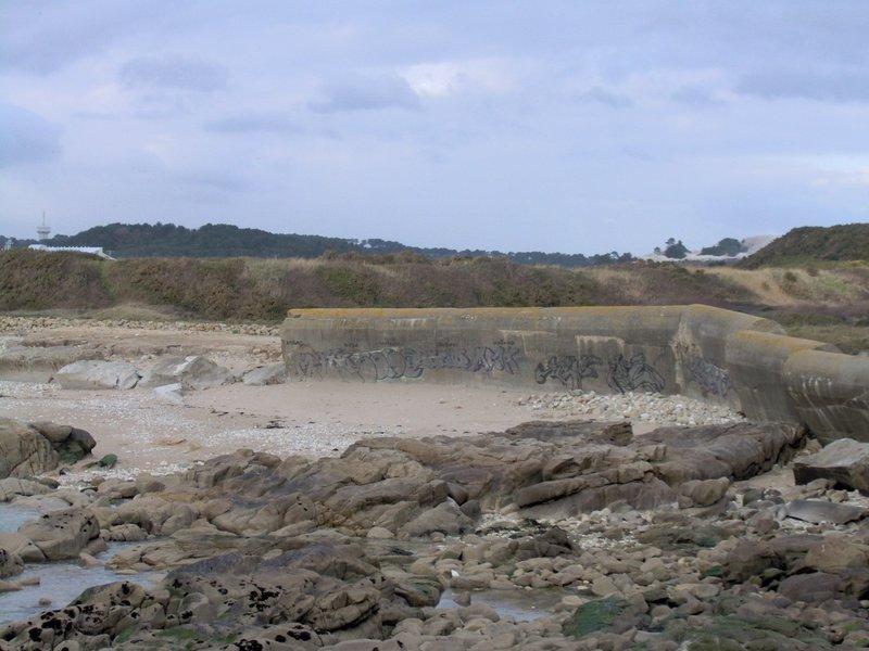Quelques restes du mur de l'Atlantique entre Kerroch et Fort Bloqué