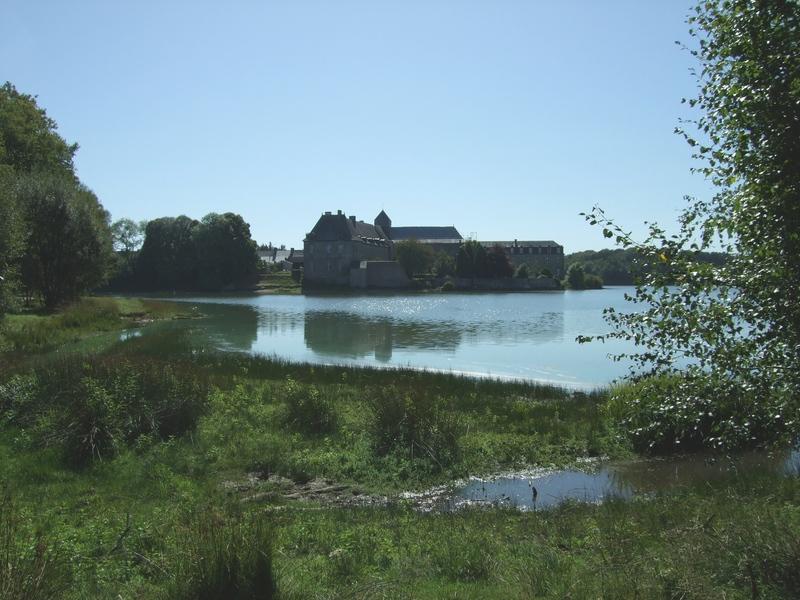 L'étang et l'abbaye de Paimpont