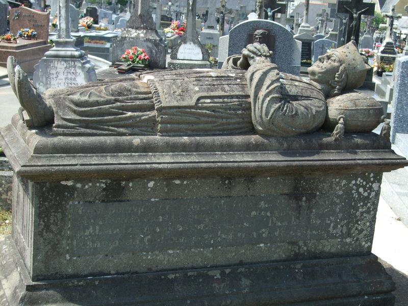 Ancienne tombe cimetière Douarnenez
