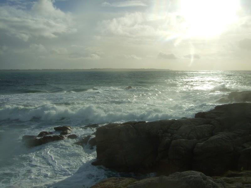 Tempête Kerroch2010: bouillonnement des vagues sur les rochers