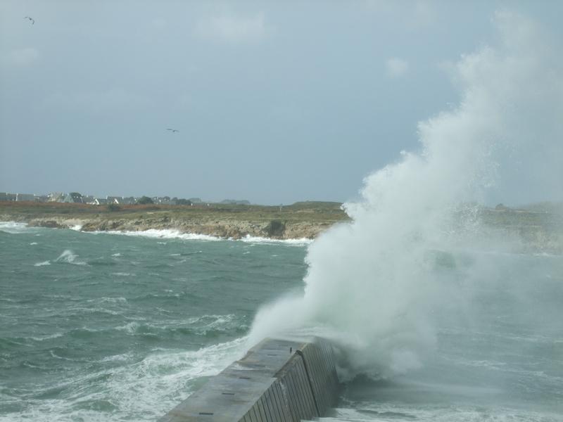 Tempête Kerroch2010: impact vague sur la jetée