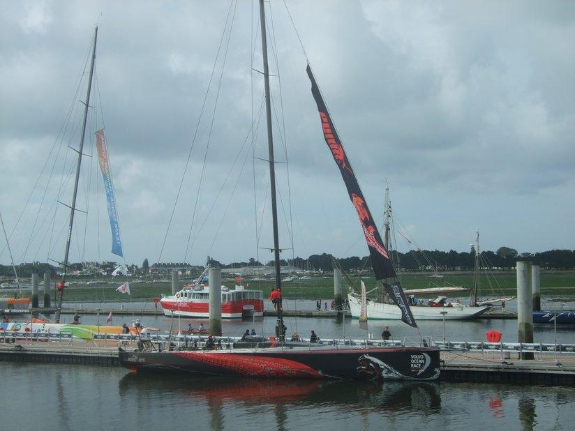 Volvo Race (VOR) 2012: le Puma à quai à Lorient