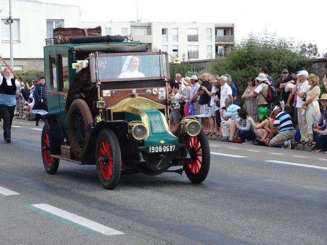 Voiture ancienne Grande Parade festival interceltique Lorient 2014