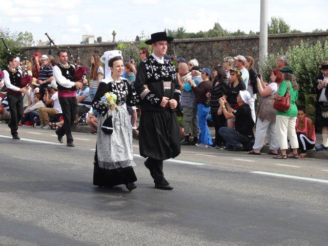 Couple en costume Grande parade, festival interceltique Lorient 2014