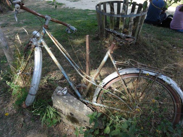 Vieux vélo, Lizio