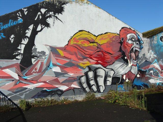 Street Art port de Lorient (graffitis) : gare aux gorilles !